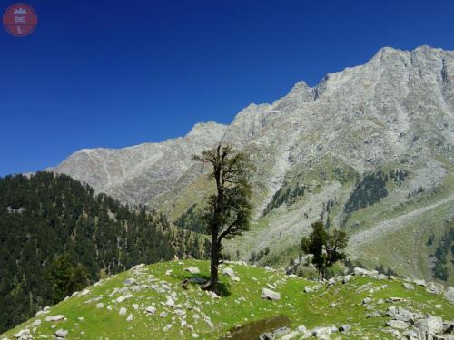 002 Čl.- Indie docela jiný svět (v náručí Himálaje)