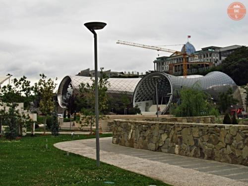 Divadlo a galerie - Tbilisi