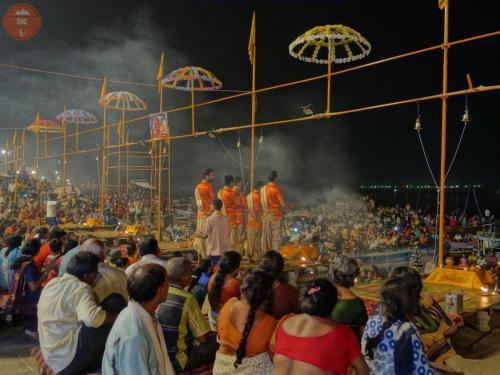 Každodenní rituál Ganga pudža - Váránasí