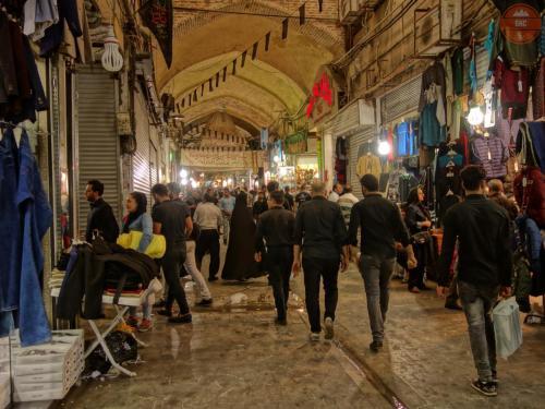 Spletité uličky bazaru - Teherán